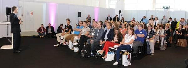 Beat Z'graggen bei einem seiner 4 Vorträge im Google Forum der SuisseEMEX'15.